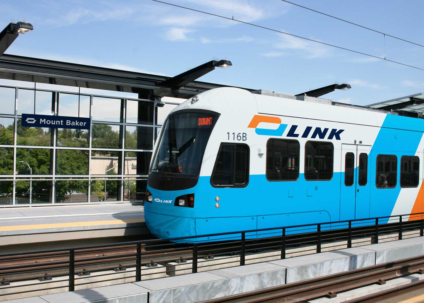 link-train-mockup